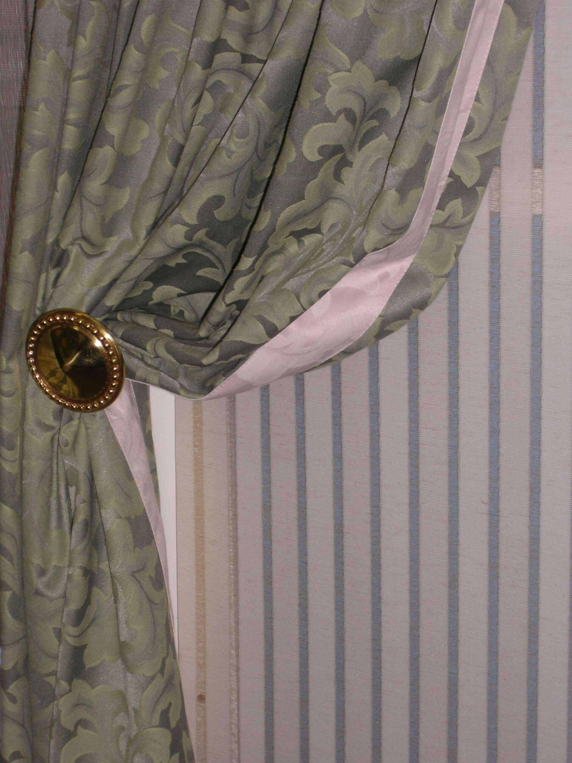 Bordered Curtain with holdback